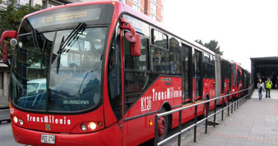 1 alan gilbert trasnmilenio bus