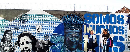 Keshava Lievano grafitti Colombia azul