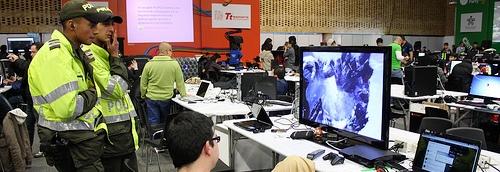 Carolina Botero Policía ciber-vigilancia Monitoreo computador patrulleros