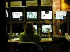 Carolina Botero Policía ciber-vigilancia Monitoreo pantallas vigilancia