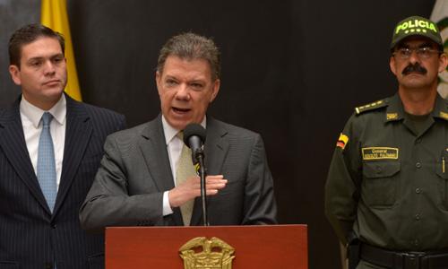 La tenue línea de la legalidad: éxitos y desafueros de la inteligencia militar