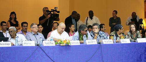 La delegación de paz de las Farc reunidas con la comisión de la Verdad en La Habana, Cuba.
