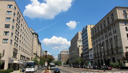 La Calle K, donde se ubican varias firmas de Lobbying en Washington D. C., EE. UU.