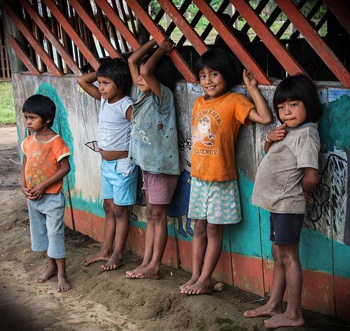 Niños de la comunidad indígena Buenos Aires, en el departamento de Vaupés.