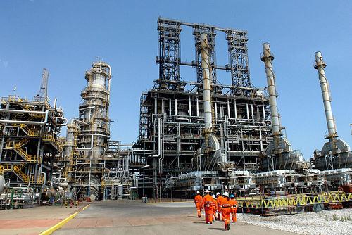 Instalaciones petroleras en Puerto La Cruz, Venezuela.