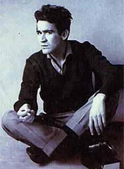 El escritor, poeta y periodista Gonzalo Arango.