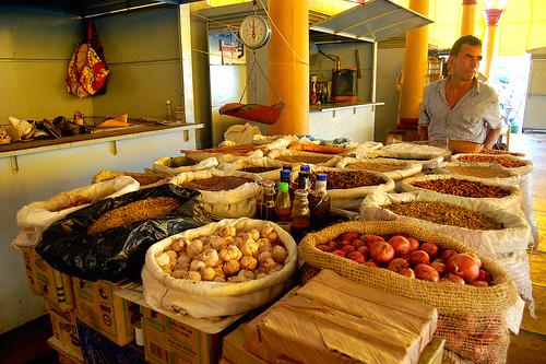 Vendedor de productos agrícolas en Lorica, Córdoba.