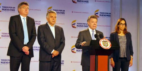 El Presidente Santos se dirige a la Asociación Colombiana de Educadores durante el  paro del magisterio.