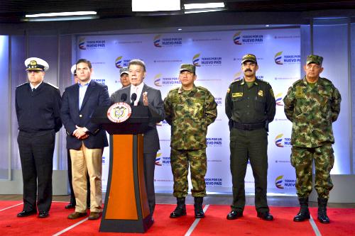 El Presidente Santos reunido con la Cúpula Militar.