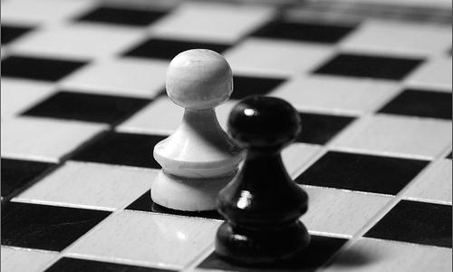 La variedad de conflictos prácticos en ciertas situaciones puede ser alta.