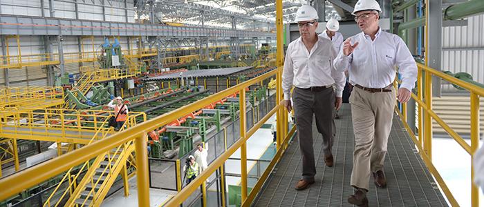 El Presidente Santos recorre la recién inaugurada Planta Tenaris, en Cartagena de indias.