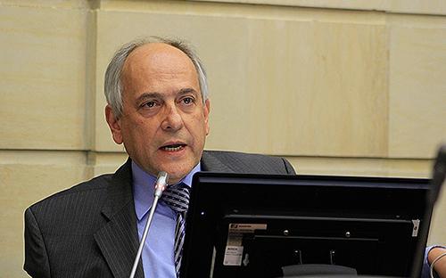 El Senador por el Centro Democrático, José Obdulio Gaviria.