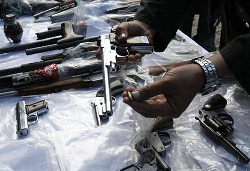 Armas entregadas por los ciudadanos durante jornada de desarme realizada en la localidad de Santafé.
