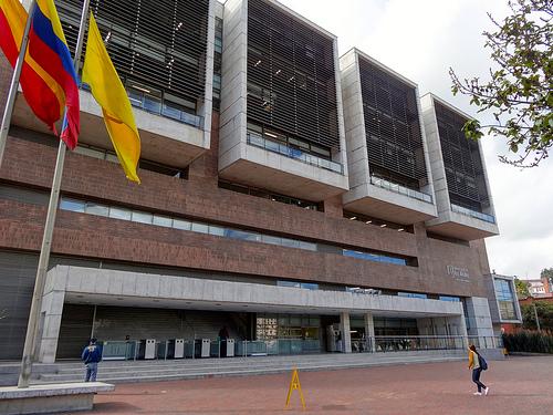 Universidad de los Andes en Bogotá.