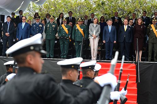 El Presidente Santos y la Cúpula Militar en el Desfile Militar el pasado 20 de julio.