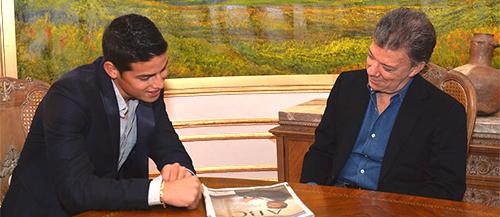 El Presidente Santos reunido con el futbolista James Rodríguez.