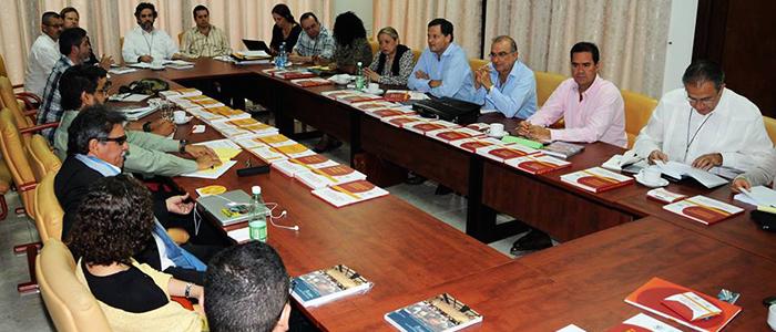 Las delegaciones de paz del Gobierno Nacional y de las FARC.