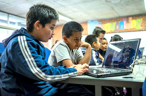 Docentes de colegios distritales participaron en el Programa del Fortalecimiento del uso del Inglés.
