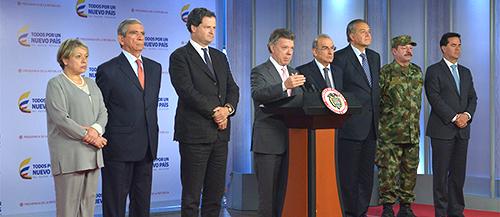 El Presidente Santos y la delegación de paz del Gobierno Nacional.
