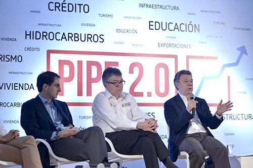 El Presidente Santos y el Minhacienda Cárdenas durante la presentación del PIPE 2.0.