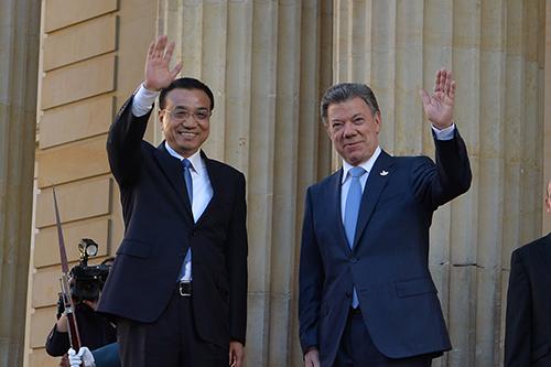 El Presidente Santos con el Primer Ministro chino Li Keqiang.