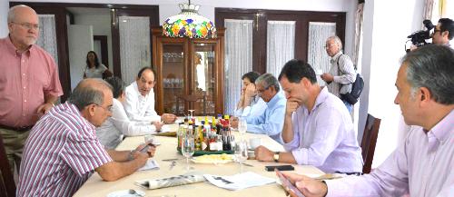 Delegación de paz del Gobierno Nacional.