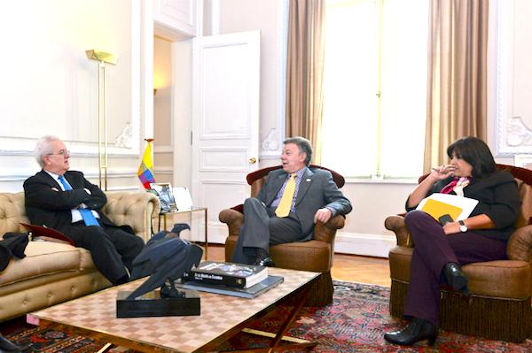 El Presidente Santos reunido con el director de la Misión Rural, José Antonio Ocampo.