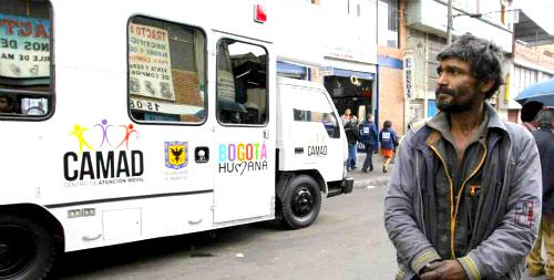 Centro de Atención Móvil a Drogodependientes (CAMAD) en el sector del Bronx en Bogotá.