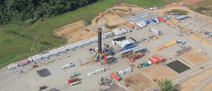 Campo de extracción petrolera