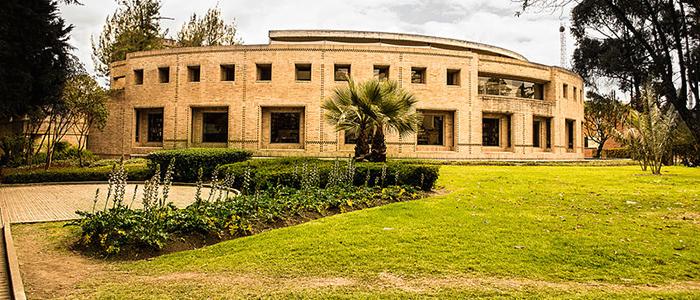 Edificio de Posgrados de Ciencias Humanas de la Universidad Nacional de colombia, sede Bogotá.
