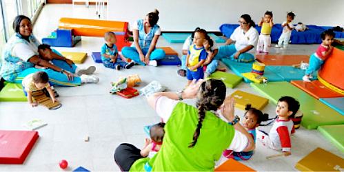 En el país hay alrededor de 69.000 madres comunitarias.