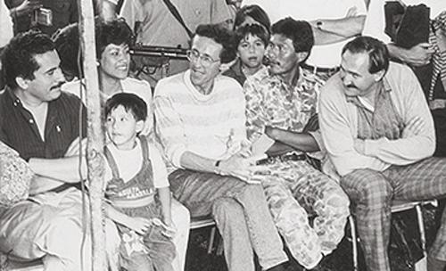 Miembros del M-19 durante el proceso de paz concluido en 1989.