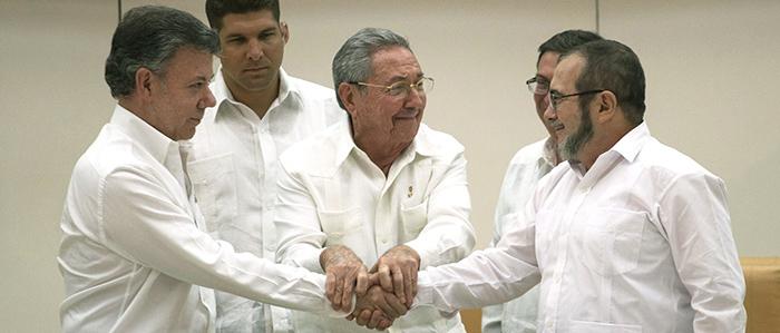 El Presidente Santos y Timoleón Jiménez en La Habana, Cuba.