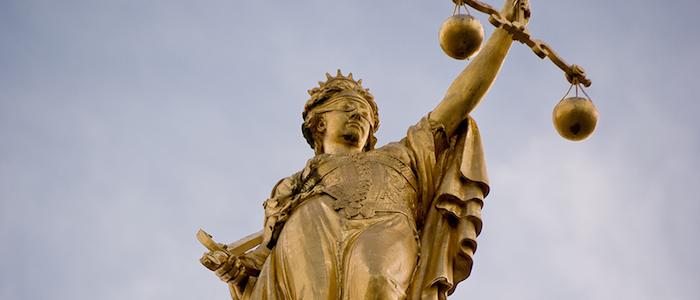 Alegoría de la Justicia, en Brujas, Bélgica.