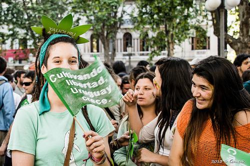 Última marcha contra la marihuana ilegal en el año 2013 en Montevideo, Uruguay.