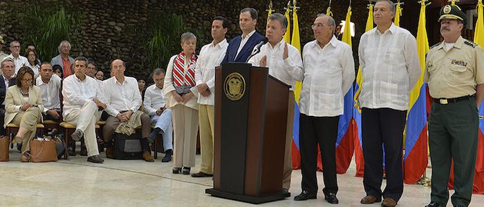 El Presidente Santos y el equipo negociador del Gobierno Nacional en La Habana, Cuba.