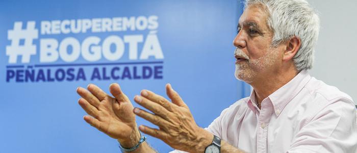 El Alcalde Electo, Enrique Peñalosa.
