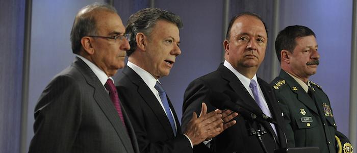 El Presidente Santos con el Jefe Negociador Humberto de la Calle y el Mindefensa Luis Carlos Villegas.
