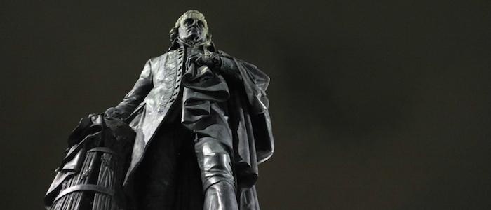 Estatua del filósofo escocés Adam Smith, en Edinburgo.