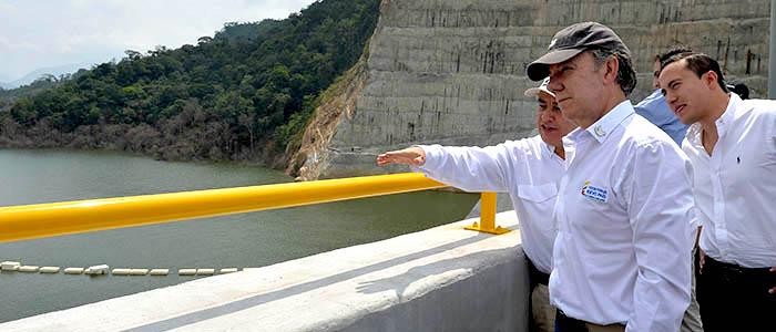 Inauguración del proyecto hidroeléctrico a la que asistió el Presidente Santos.