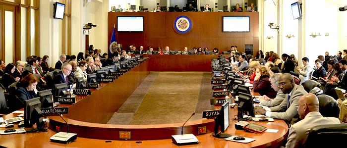 Varias naciones latinoamericanas han extendido los periodos presidenciales a través de reformas a la constitución. En la imagen aparece el Consejo Permanente de la OEA.