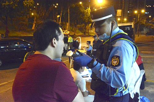 Policía de tránsito en la ciudad de Cali.