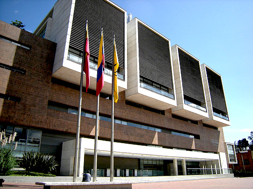 Edificio Mario Laserna de la Universidad de los Andes en Bogotá.