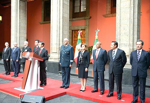 El Presidente mexicano Enrique Peña Nieto anuncia la recaptura del Chapo Guzmán.