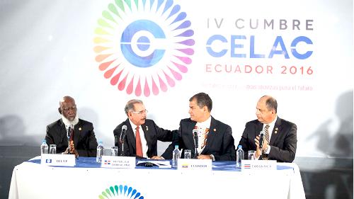Mandatarios asistentes a la IV Cumbre de la Celac en Ecuador.