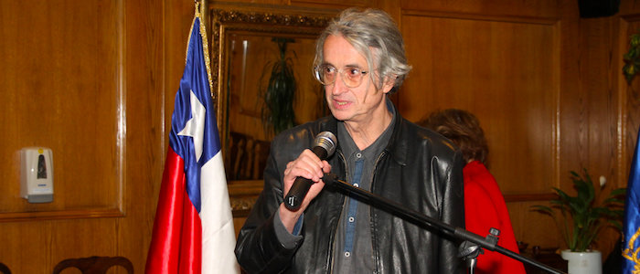 El cineasta caleño Luis Ospina.