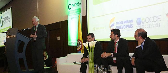 Nicola Bonucci, Director legal de la OECD y Director del proceso de Acceso de Colombia a la Organización.