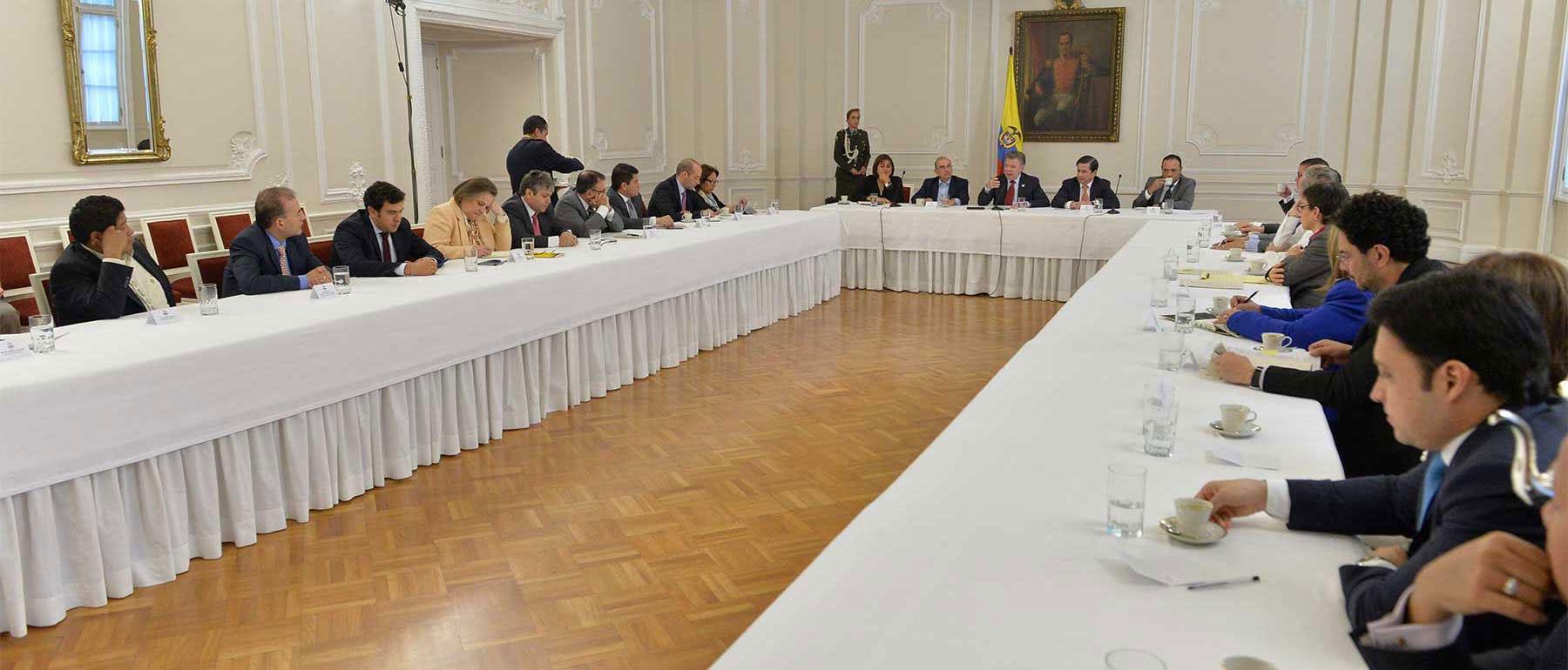 Reunión entre gobierno y partidos