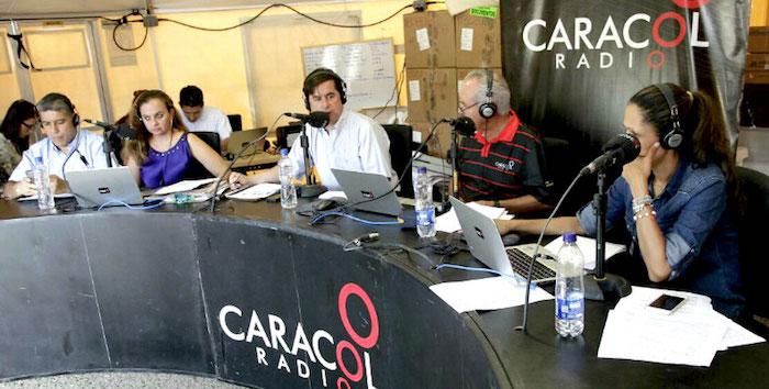 Mesa de trabajo Caracol Radio