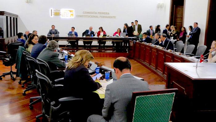Comisión Primera del Senado en debate sobre la Reforma Política.